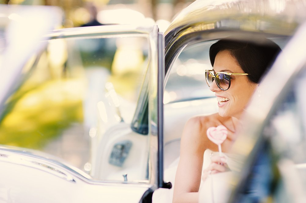 La sposa con gli occhiali ! La Wedding Planner consiglia… occhiali da sposa