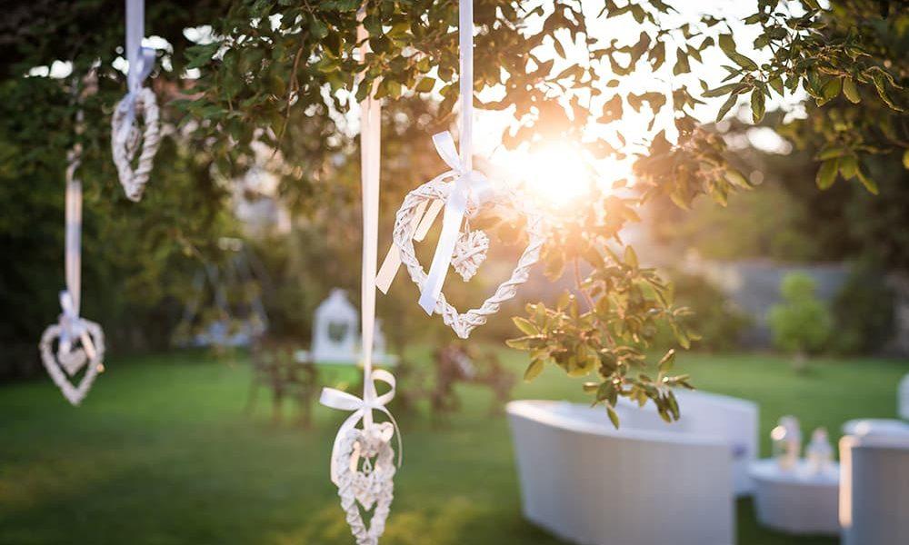 Decorazioni matrimonio in giardino
